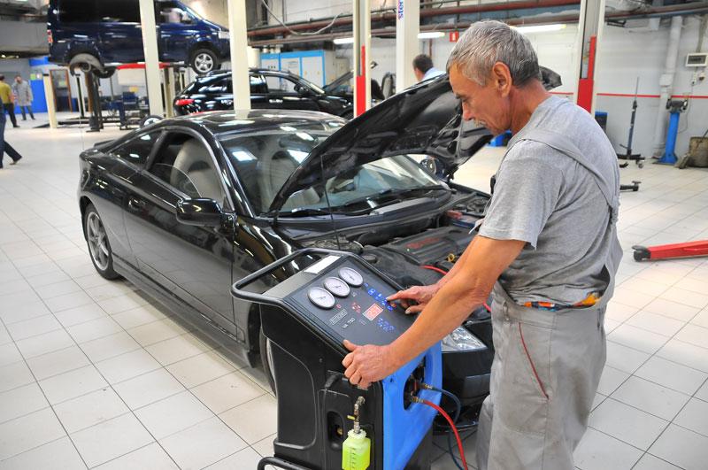 Автомобильный кондиционер заправка своими руками видео